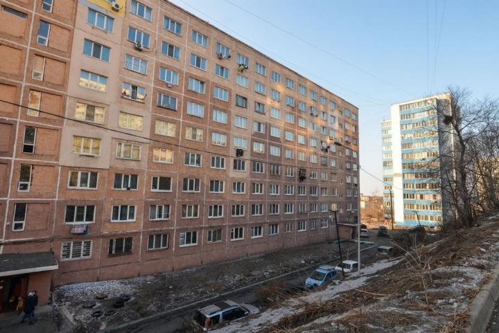 Жительница Владивостока обнаружила у себя в квартире змею