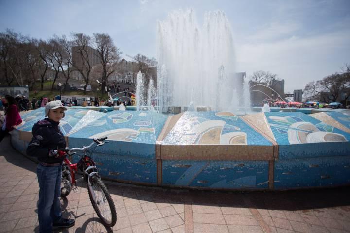 Фонтаны Владивостока начинают «оживать» после зимы