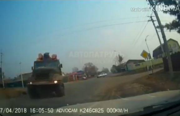 Видео как из «Пункта назначения» случайно сняли на дороге в Приморье