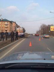 Пассажирский автобус во Владивостоке протаранил разделительный барьер