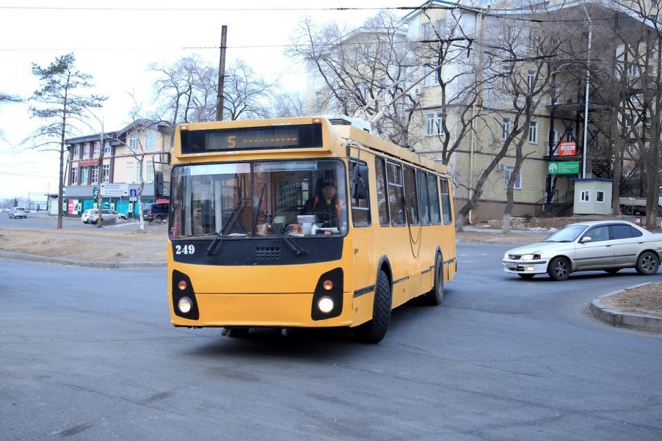 Во Владивостоке закрыто движение  троллейбусов на маршруте № 11