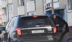 Жена и.о. главы Большого Камня ездит на служебном автомобиле мужа обедать