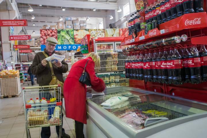 Россияне тратят на еду больше половины доходов