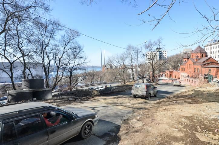 АНТИРЕЙТИНГ: топ-5 «убитых» дорог Владивостока
