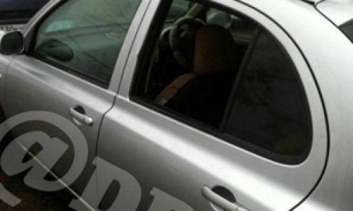 Во Владивостоке неизвестные выбили стекло автомобиля
