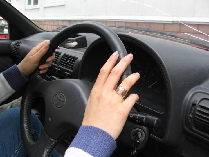 «Таких девушек за рулем давно во Владивостоке не видел»