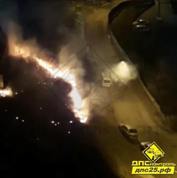 Пожар на косогоре едва не привел к трагедии во Владивостоке