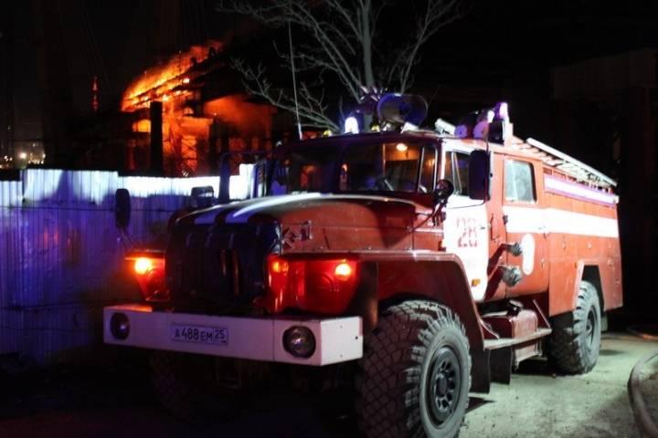 В жилом доме во Владивостоке ночью произошел пожар