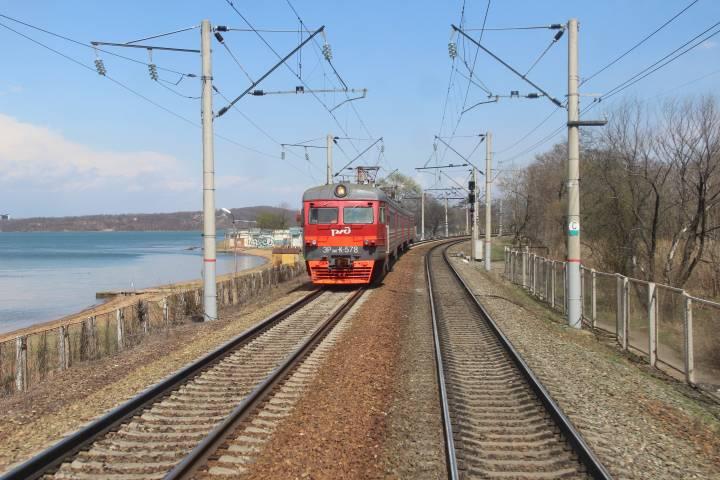 Железнодорожный переезд в поселке Дунай Приморского края закроют на ремонт