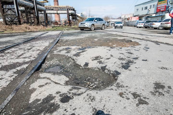 Во Владивостоке в течение 2017 года отремонтируют два железнодорожных переезда