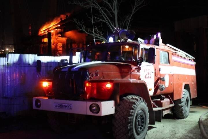 Торговый павильон загорелся утром во Владивостоке