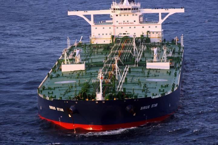 Моряки застрявшего в ОАЭ танкера «Кристал Ист» скоро вернутся в Приморье