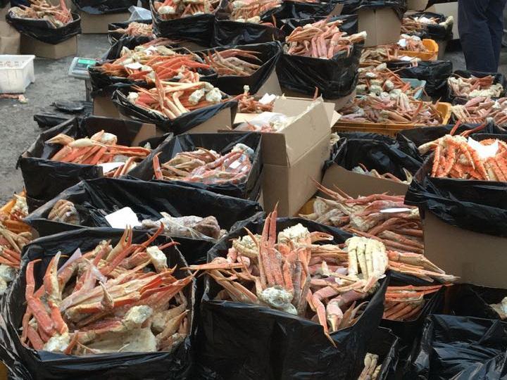За неделю пограничники Приморья изъяли девять тонн краба