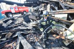 В центре Владивостока сгорело деревянное двухэтажное здание