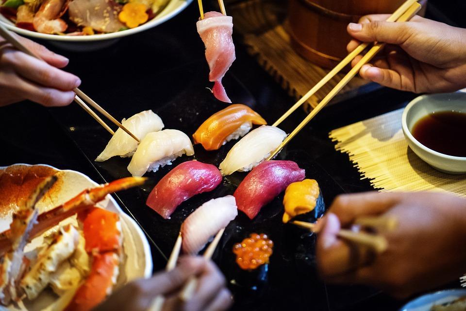 Подозрительные морские деликатесы не пропустили на столы приморцев