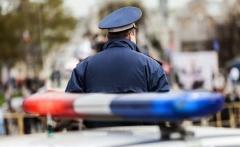 Внедорожник и полицейский автомобиль не поделили дорогу в Приморье