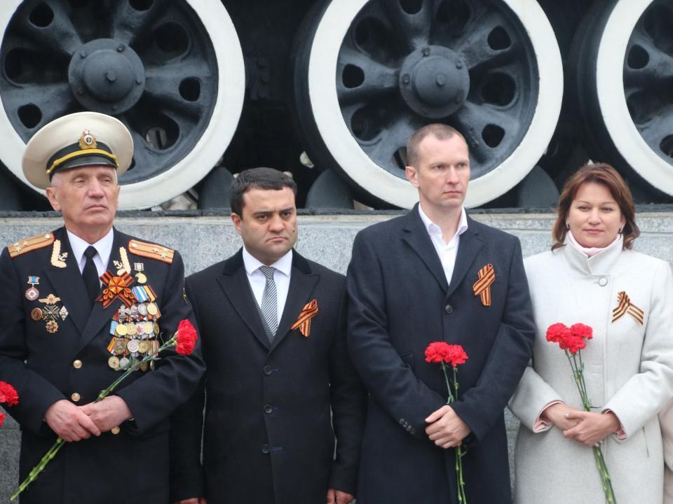 Торжественные митинги прошли во Владивостоке накануне Дня Победы
