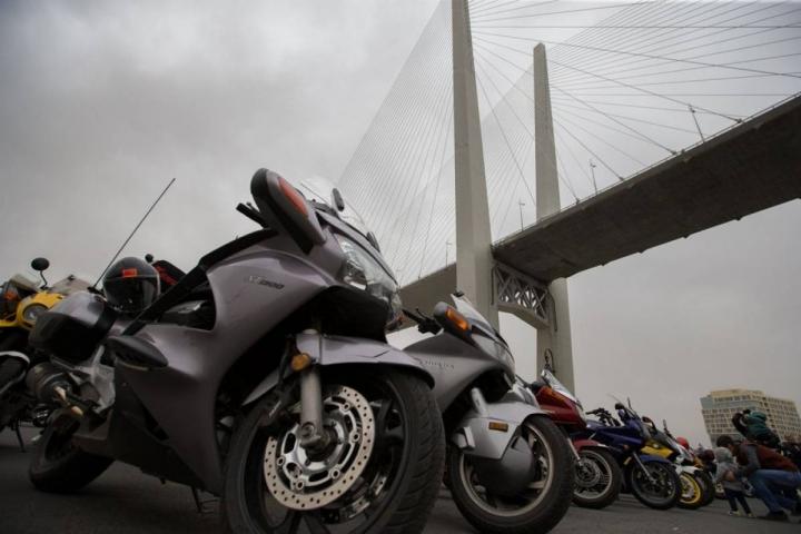 Мотопробегом байкеры открыли День Победы в Приморье