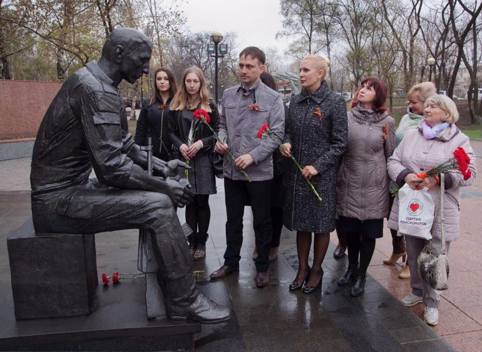 Приморские депутаты посетили ветеранов Великой Отечественной войны