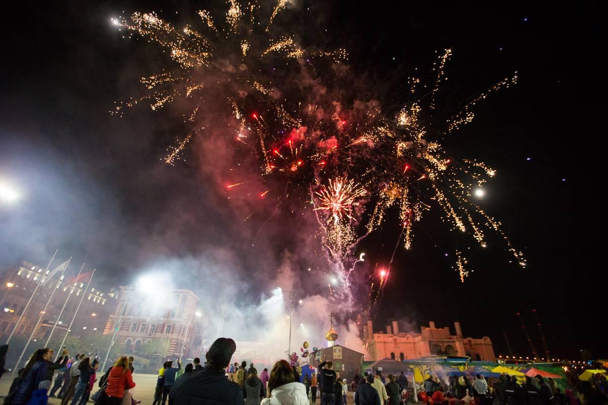 День Победы во Владивостоке завершился праздничным салютом