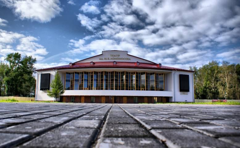 СМИ: Культурный деятель из Владивостока довел архангельский театр до забастовки