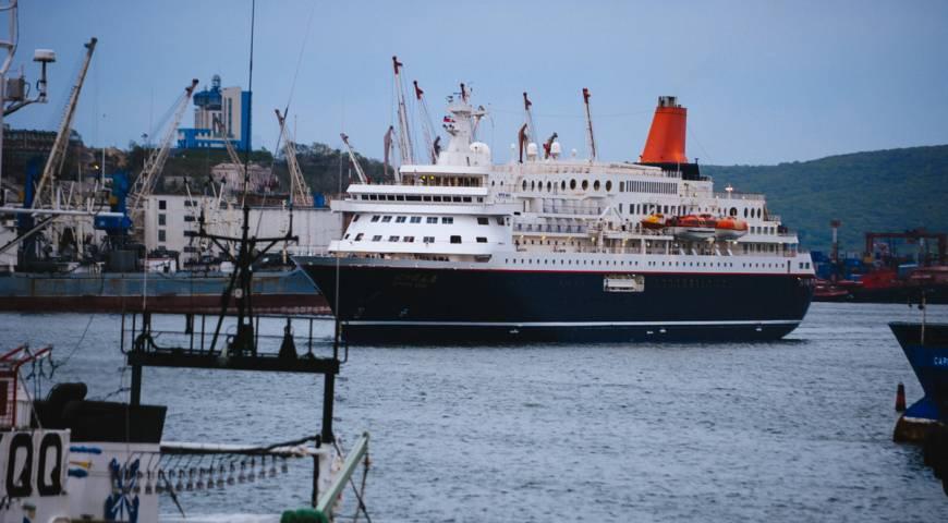 Круизный лайнер Nippon Maru прибыл во Владивосток