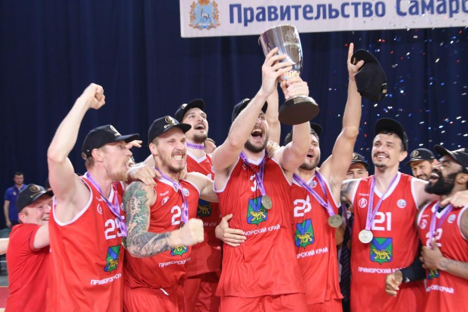«Спартак-Приморье» стал чемпионом Суперлиги