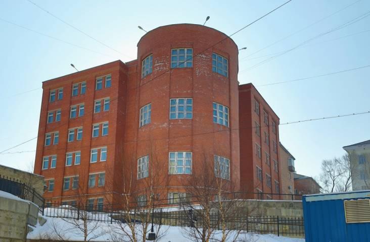 Два здания ДВФУ снова выставлены на торги