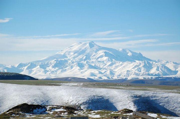 Альпинист из Владивостока пострадал на Эльбрусе