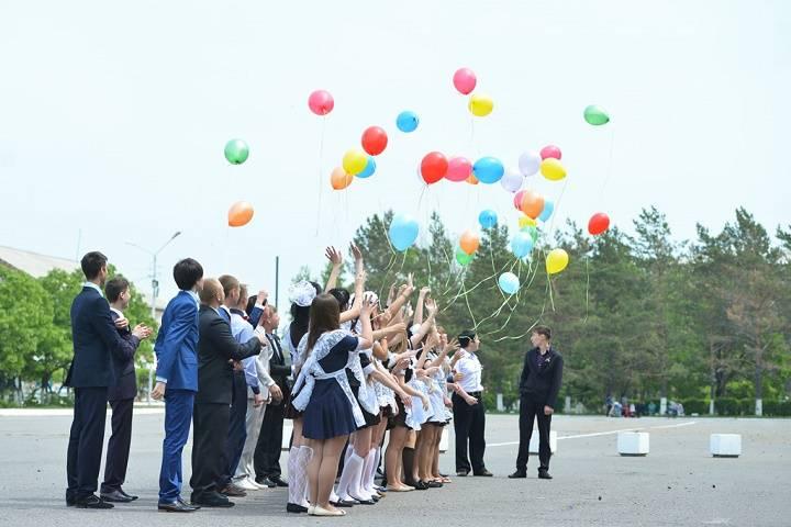 Последний звонок прозвенит сегодня для школьников Владивостока