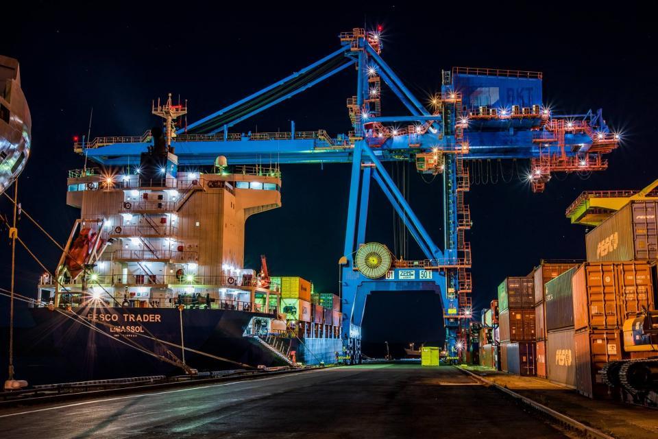 FESCO сокращает время доставки грузов из Республики Корея в Россию через ВМТП с 23 до 15 дней