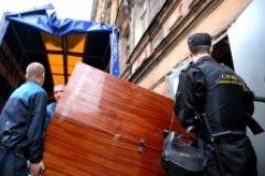 Нечистоплотного должника выселили из благоустроенной квартиры в комнату без удобств в Приморье