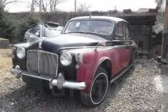 Машины из прошлого: кто и почему продает в Приморье автолегенды?