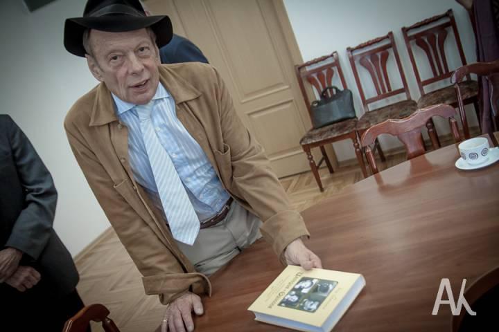 Представитель известной американской династии Бриннеров прибыл во Владивосток