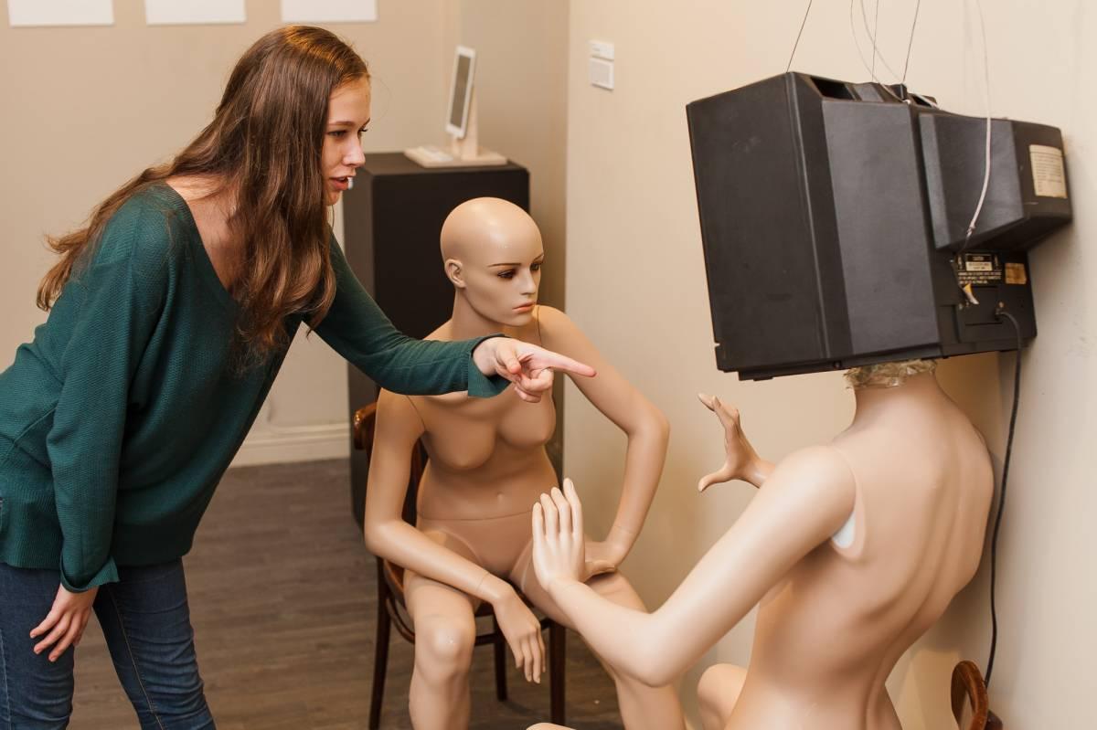 Во Владивостоке открылась выставка молодых художников «Круговая порука»