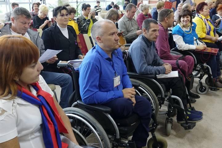 Работа над ситуацией с трудоустройством инвалидов ведется в Приморье