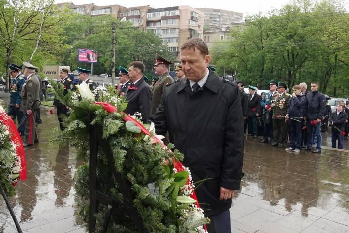 Депутаты приморского парламента поздравили пограничников с профессиональным праздником