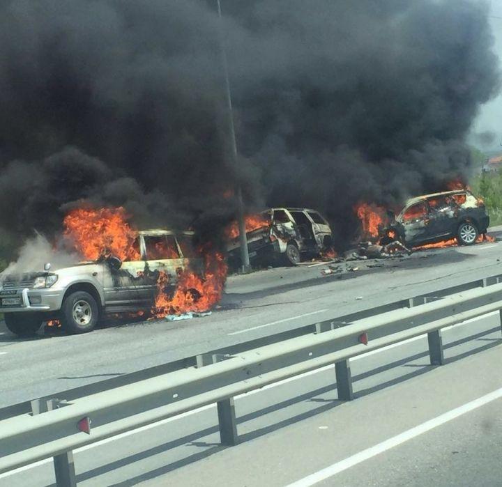 В Надеждинском районе на трассе сгорели три машины