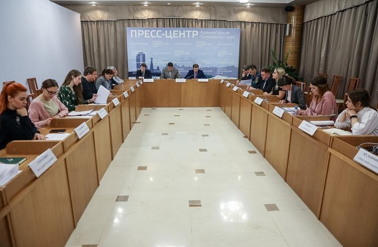 Знак отличия для добровольцев разработают в Приморье по поручению Андрея Тарасенко