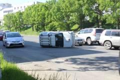 Во Владивостоке произошло ДТП с участием большого и маленького внедорожников