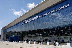 Неподалеку от склада международного аэропорта Владивосток появились незаконные постройки