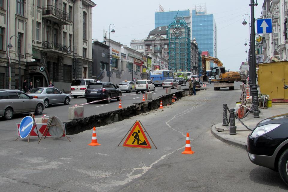 Центр Владивостока поглотили многокилометровые пробки