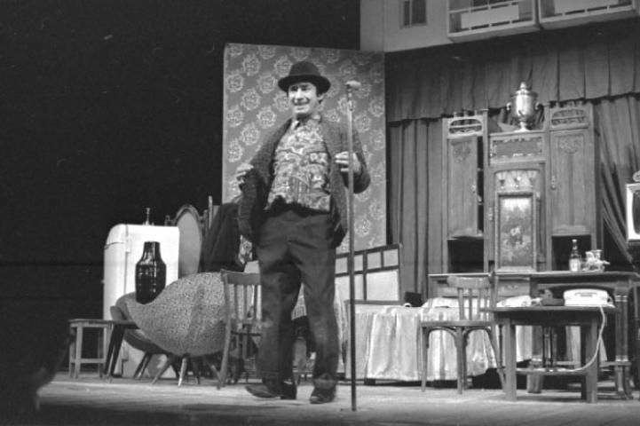 Во Владивостоке покажут фильм-спектакль «Маленькие комедии большого дома»