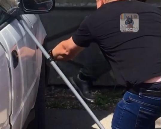 «Какой здоровый»: приморец не ожидал увидеть такое под кузовом своего авто