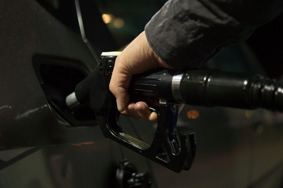 ФАС возбудила несколько дел из-за роста цен на бензин