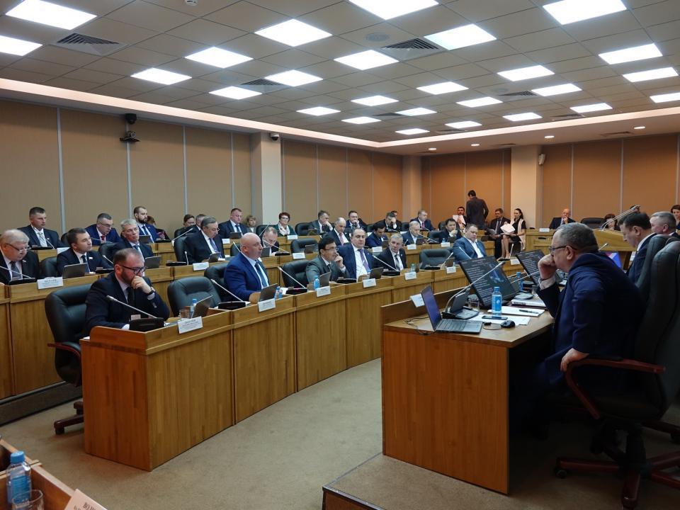 Три депутата Законодательного собрания Приморья выдвинуты на госнаграду