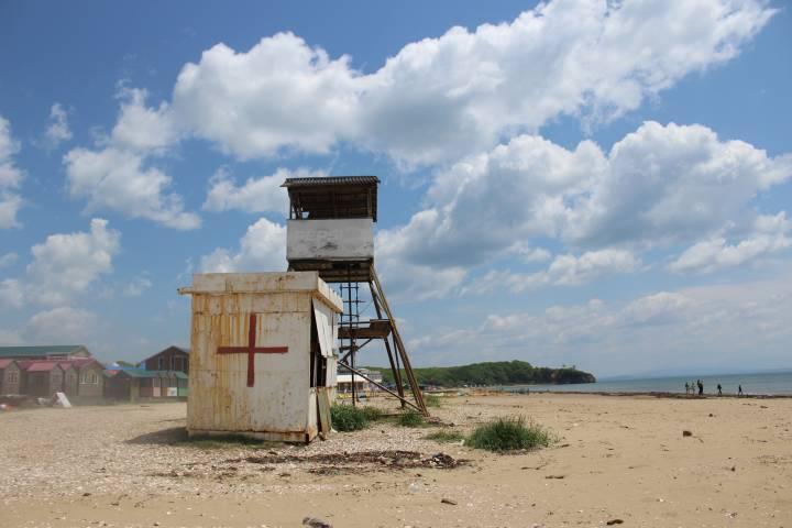 Роспотребнадзор назвал пригодные для купания пляжи Владивостока