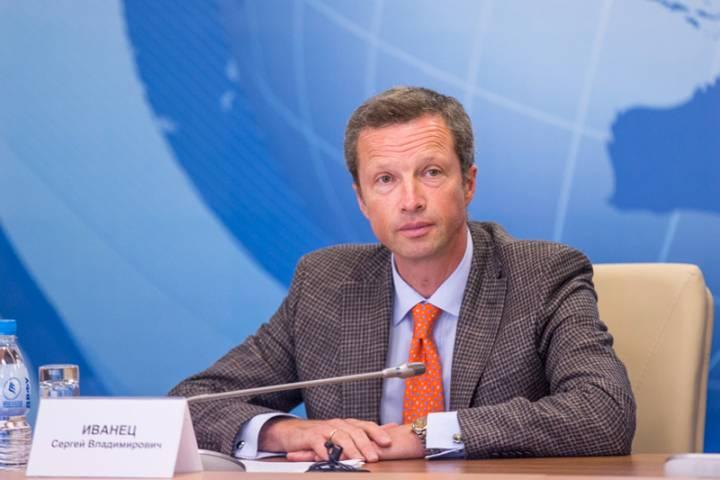 Находящийся под следствием ректор ДВФУ прибыл на медиасаммит