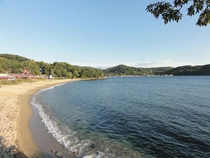 Роспотребнадзор: морская вода бухты Троица опасна для здоровья