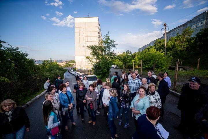 Владивостокцы обратились к властям с просьбой сохранить придомовую территорию